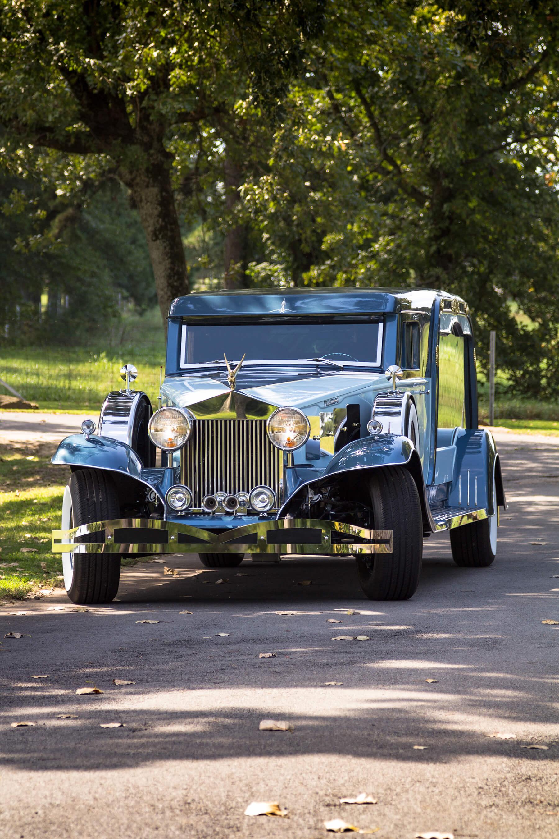 What Is A Sedan >> Grand Vista Coach | Rosewood Classic Coach